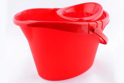 Кофа овал с цедка 12 l червена